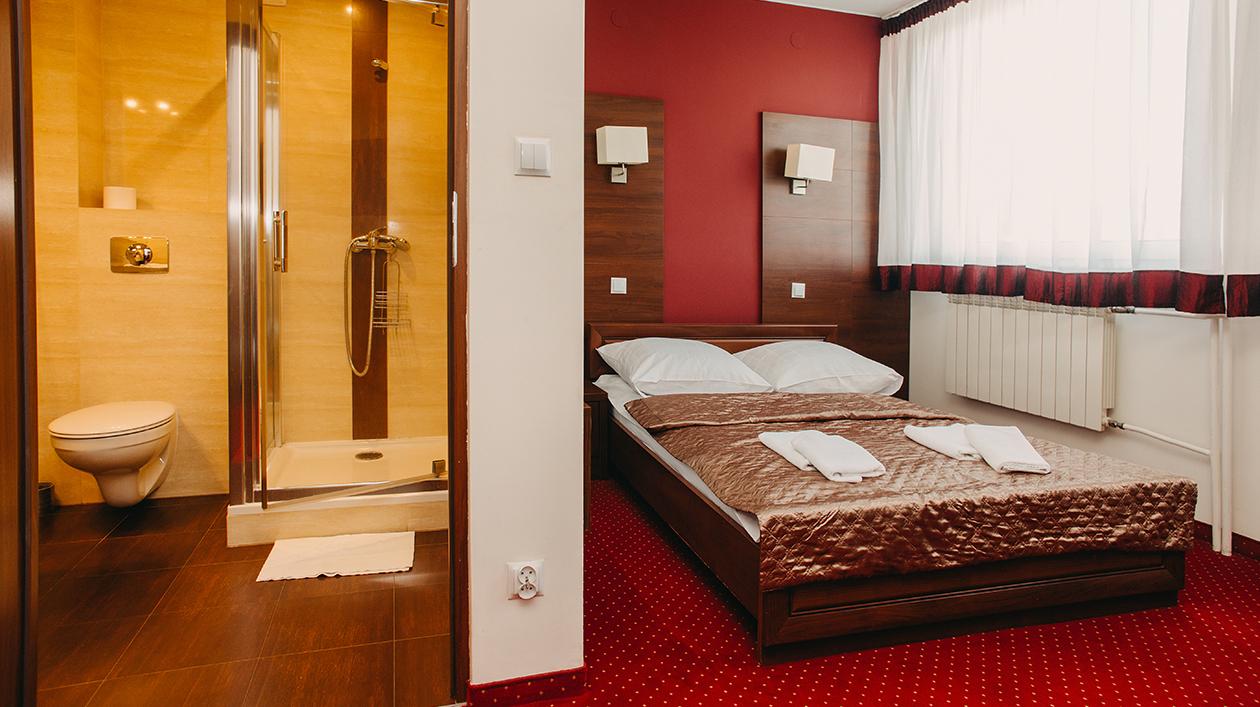 Nasi Goście mieszkają w 39 komfortowych pokojach